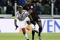 Juventus Turín - Inter Milán: Paul Pogba u míče