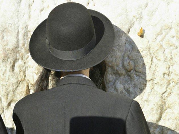 K trestu šesti a půl roku vězení byl v pátek v americké metropoli odsouzen přední washingtonský rabín, který se přiznal k natáčení nahých žen v rituální lázni skrytou kamerou. Ilustrační foto.