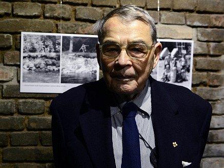 V 93 letech zemřel bývalý politický vězeň a skautský činovník Jiří Navrátil (na snímku z 10. prosince 2013).