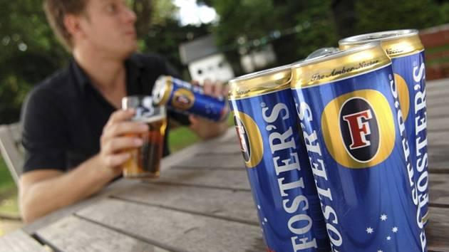 Podle údajů Českého svazu pivovarů a sladoven vzrostl meziročně podíl piva prodávaného v PET lahvích o 11 procent a piva v plechovkách dokonce o 16 procent.