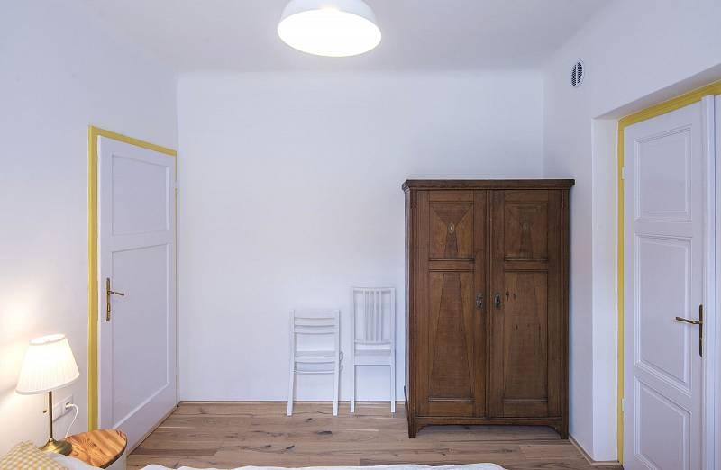 Nábytek prošel renovací. Každý detail v interiéru je pečlivě promyšlený i vyrobený