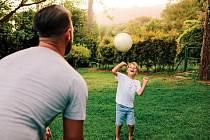 Proměňte svou zahradu nebo nedaleký park v jedno velké sportoviště.