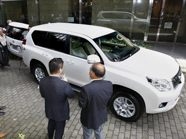 Policie koupila terénní vozy Toyota Land Cruiser za sedm milionů korun. V bleskovém nákupu pořídila pět aut. Ilustrační foto.