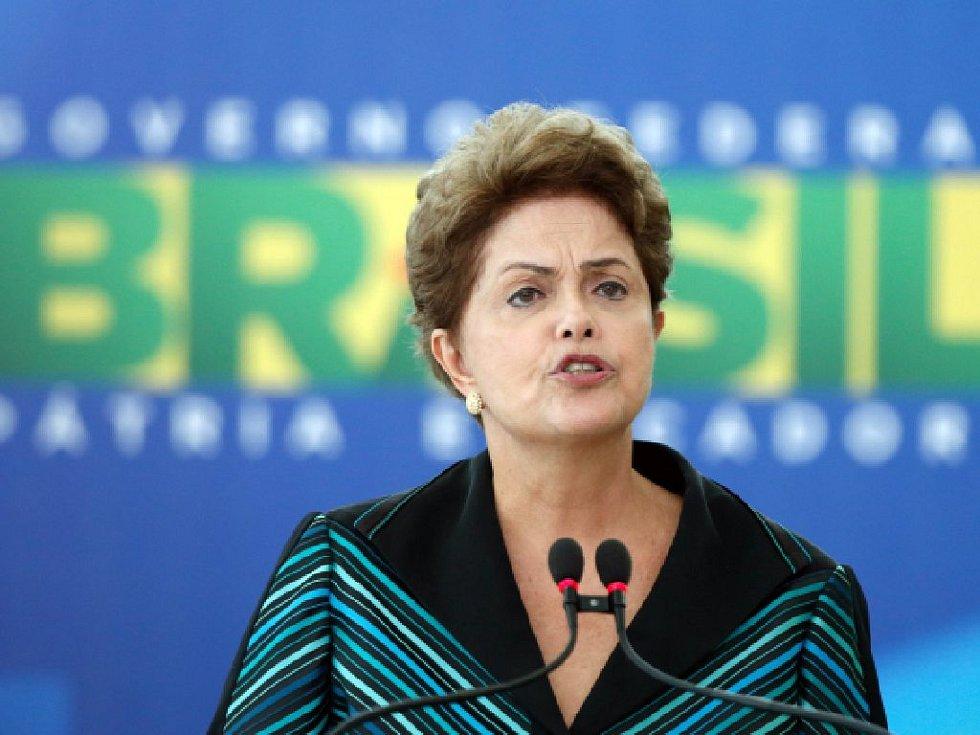Brazilský nejvyšší soud dnes zamítl žádost vlády o zastavení procesu sesazení prezidentky Dilmy Rousseffové.