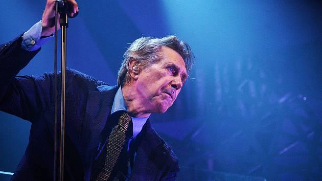 V pražském Foru Karlín vystoupil 5. června britský zpěvák Bryan Ferry.