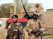 Rebelové v Tripolisu. Ilustrační foto