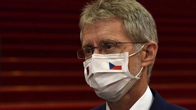 Předseda Senátu Miloš Vystrčil hovořil 2. září v Tchaj-peji s českými novináři