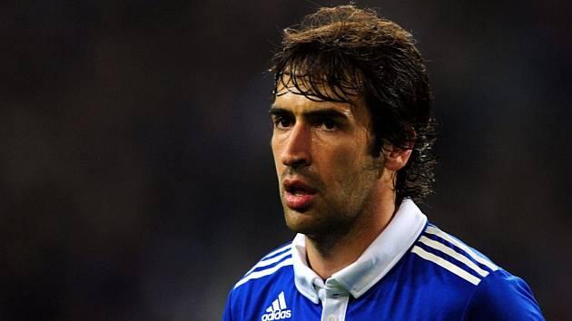 Hvězda Schalke Raúl Gonzalez.
