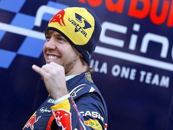 Stáj Red Bull, vítěz Poháru konstruktérů a tým mistra světa formule 1 Sebastiana Vettela z Německa, v úterý odhalila auto pro novou sezonu.