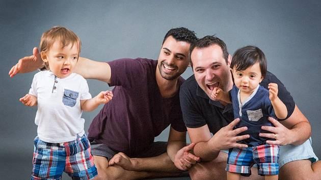Rodina dvou rodičů stejného pohlaví.