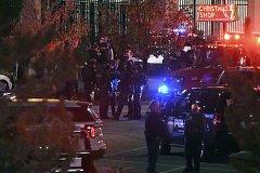 Střelba v obchodním centru v Coloradu.