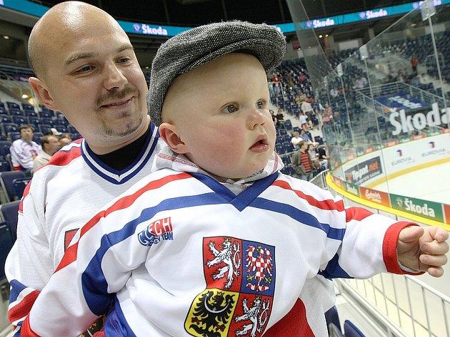 Na zápas Česko - Švédsko dorazlili i úplně malí fanoušci.