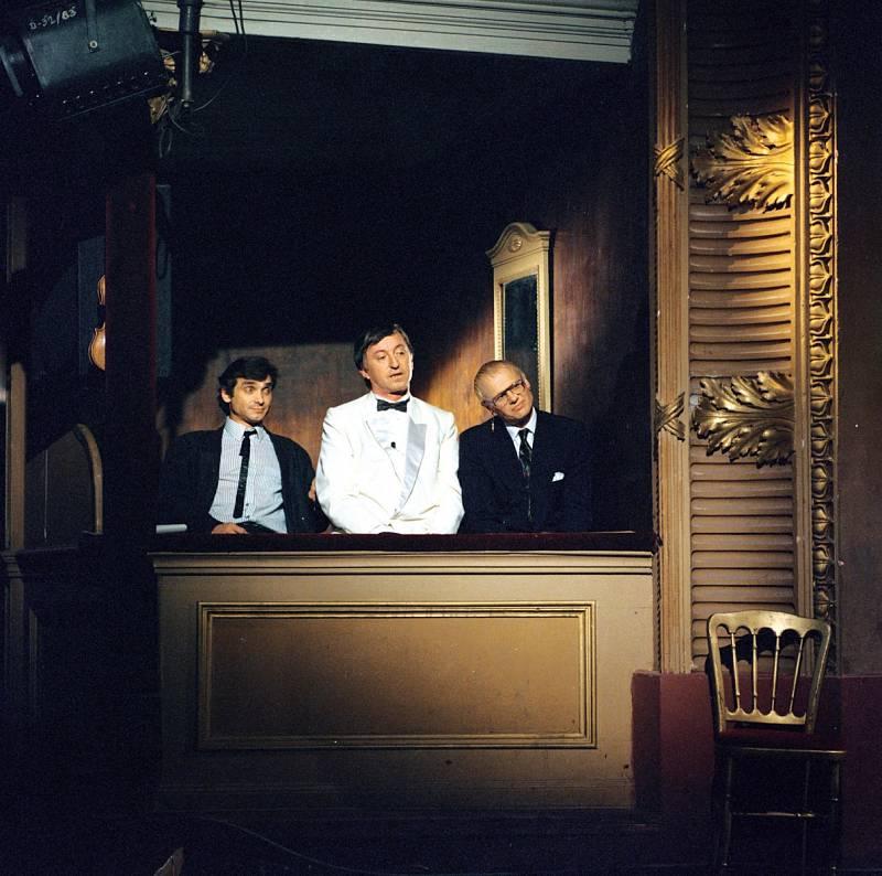 V populární show Možná přijde i kouzelník s Oldřichem Kaiserem a Jiřím Kornem.
