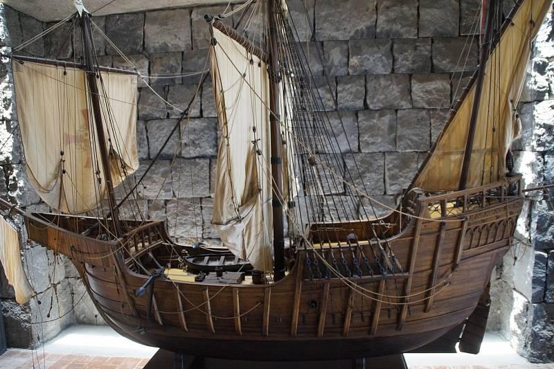 Takhle zřejmě vypadala největší loď Kolumbovi první cesty, Santa Maria. Loď ztroskotala, dodnes se neví, kde přesně se nachází její vrak.