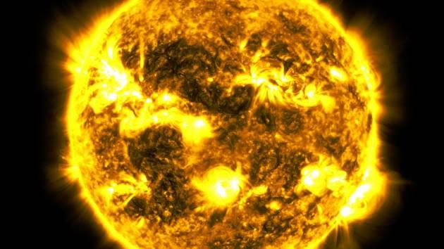 Sluneční aktivitu (skvrny, erupce a výrony koronální hmoty) řídí magnetické pole Slunce