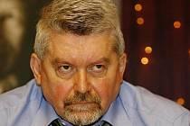 Advokát Zdeněk Altner, který zastupoval ČSSD v jejím sporu s ministerstvem financí o Lidový dům, podal žalobu proti sociální demokracii, společnosti Cíl, kterou sociální demokraté vlastní, a expředsedovi strany Jiřímu Paroubkovi.