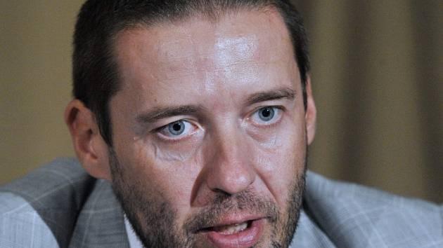 Zmírněte represe vůči fanouškům, vzkázal šéf Gambrinus ligy Dušan Svoboda fotbalové asociaci.