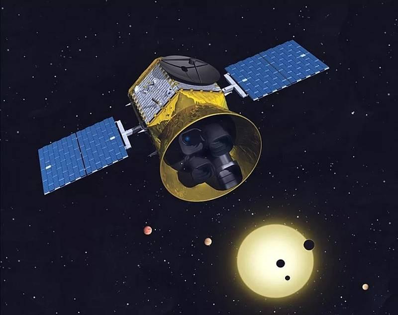 Lovec exoplanet, kterého vyslala NASA.