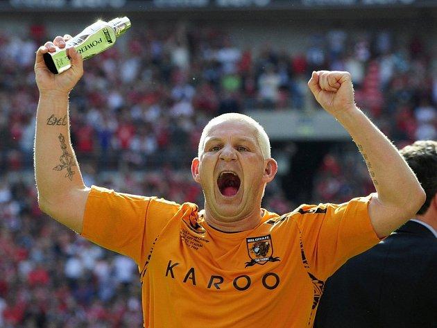 Šťastný střelec. Devětatřicetiletý veterán Dean Windass rozhodl jedinou brankou finále play off druhé ligy mezi Hullem a Bristolem City.