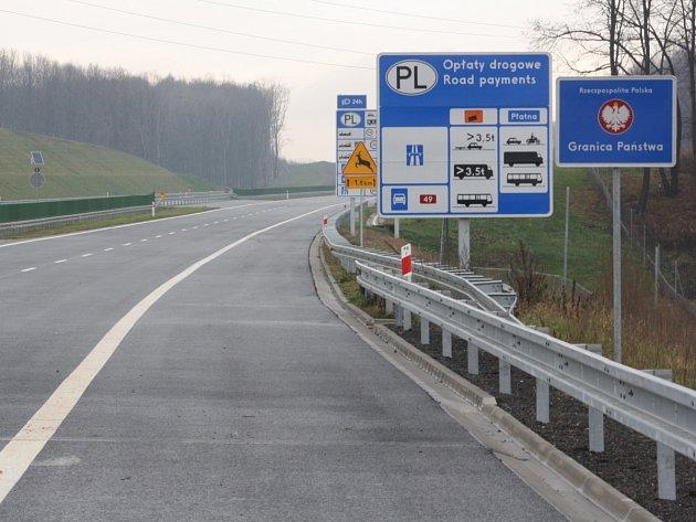 V pátek po poledni byl zprovozněn úsek dálnice vedoucí z Bohumína ke státní hranici s Polskem.