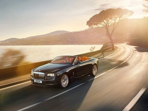 Rolls-Royce Dawn.