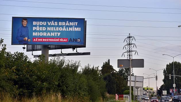 Předvolební billboard Andreje Babiše v Praze