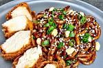 Smažené kuře s udon nudlemi