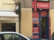 Malý podnik, údajně pro české občany, nabízí kromě výměny za nulový poplatek také nejrůznější VIP nabídky.