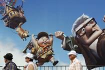 Ve středu začal 62. ročník nejprestižnější filmové přehlídky v jihofrancouzském Cannes. O zahájení se poprvé postaral animovaný snímek. Organizátoři vsadili na novinku studia Pixar s názvem Up – u nás se bude promítat od srpna pod titulem Vzhůru do oblak.