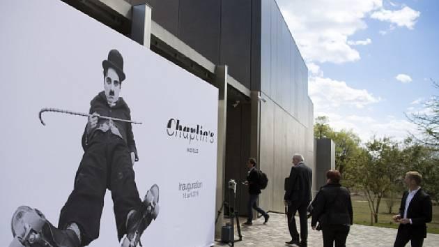 Ve švýcarské obci Corsier-sur-Vevey u Ženevského jezera se dnes pro veřejnost otevřelo muzeum Charlieho Chaplina.