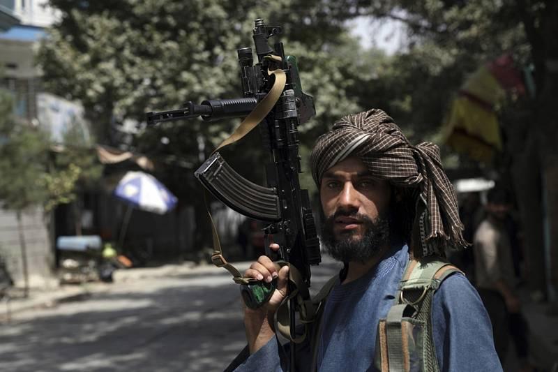 Bojovník Tálibánu v Kábulu