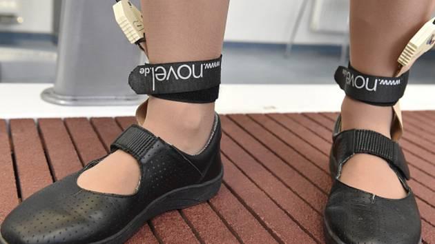 Nový výzkum těhotenské obuvi možná ulehčí nastávajícím matkám poslední měsíce před porodem, kdy je často trápí bolesti, křeče či otoky nohou.