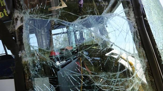 Nehoda autobusu - ilustrační foto.
