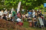 Při zařizování komunitní zahrady vymezte prostor pro posezení a další aktivity.