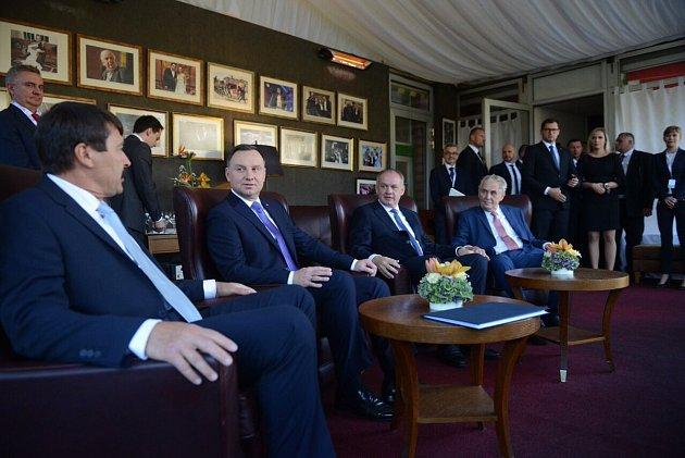 Setkání prezidentů V4 na  Štrbském Plese.