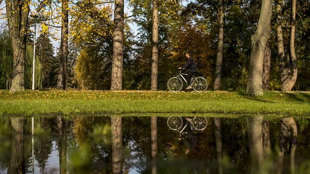 Teplé podzimní počasí - ilustrační foto
