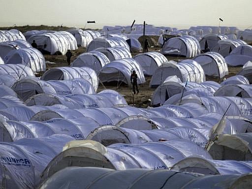 Na tunisko-libyjské hranici táboří tisíce lidí