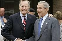 Otec a syn Bushovi