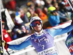 Kjetil Jansrud se raduje z triumfu ve Val d'Isere.