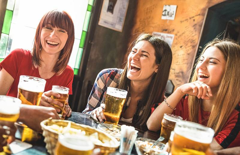 Současné vlně pivních speciálů ještě stále dominují studeně chmelená piva, piva různě svrchně kvašená a hodně chmelená piva.