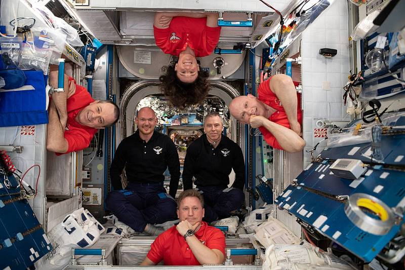 Celá posádka ISS