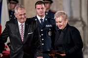 Prezident Miloš Zeman na státní svátek 28. října předával státní vyznamenání ve Vladislavském sále Pražského hradu. Urbanová