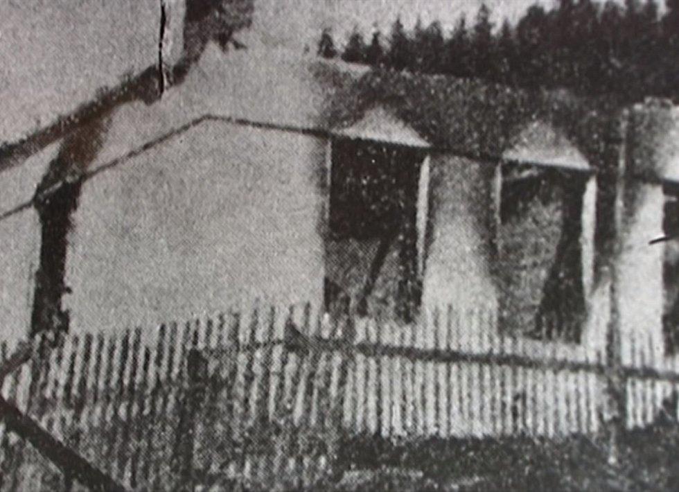 Vypálené domy v Prlově