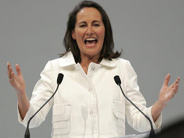 Francouzští prezidentští kandidáti napínali poslední síly. Na snímku Ségolene Royalová.