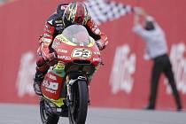 Vítěz kubatury do 125 ccm Mike Di Meglio.