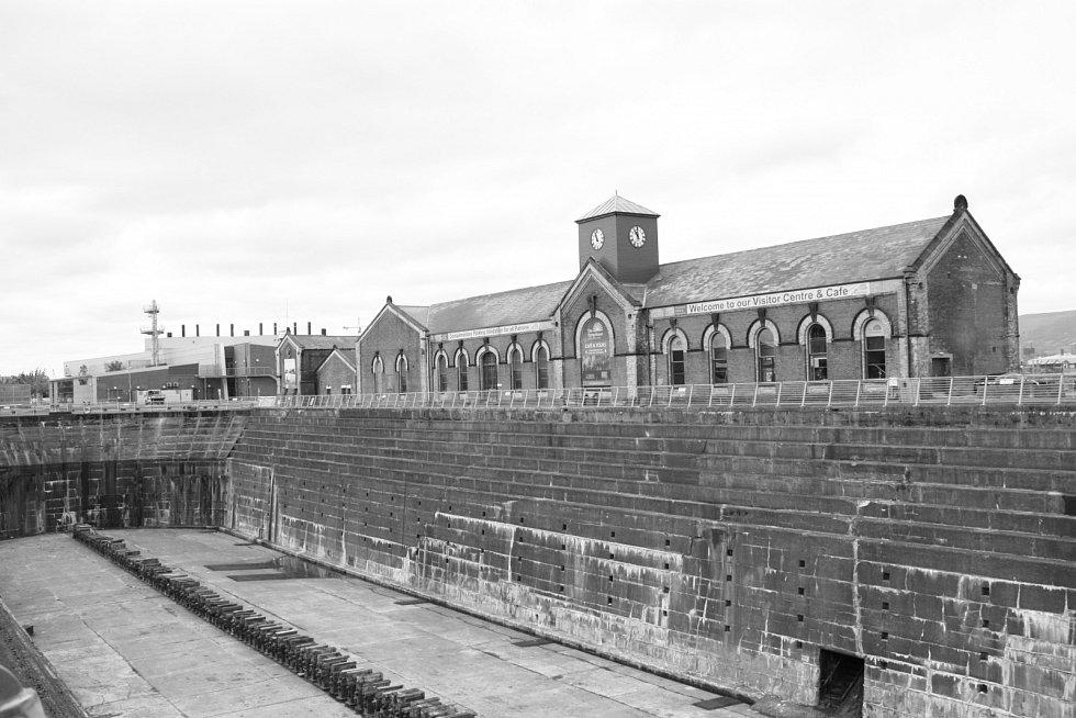 Suchý dok v Belfastu, kde se stavěl Titanic