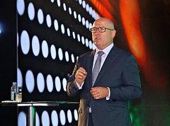 """Předseda představenstva společnosti Škoda Auto Bernhard Maier na tiskové konferenci k projektu """"INDIA 2.0"""" v Dillí."""
