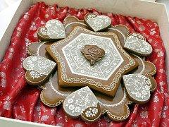PRO ALŽBĚTU. K oslavám jubilea přijde tentokrát britské panovnici i sladké blahopřání v podobě perníku z Moravy.