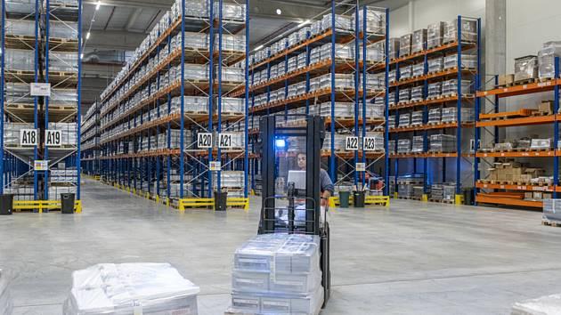 Sklad a distribuční centrum - ilustrační foto.