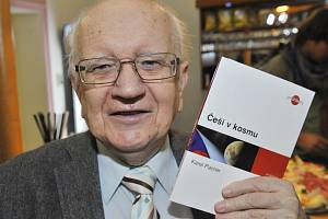 Ve věku 85 let zemřel publicista a spisovatel Karel Pacner (na snímku z 10. listopadu 2011)